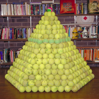 Tennis balls packing